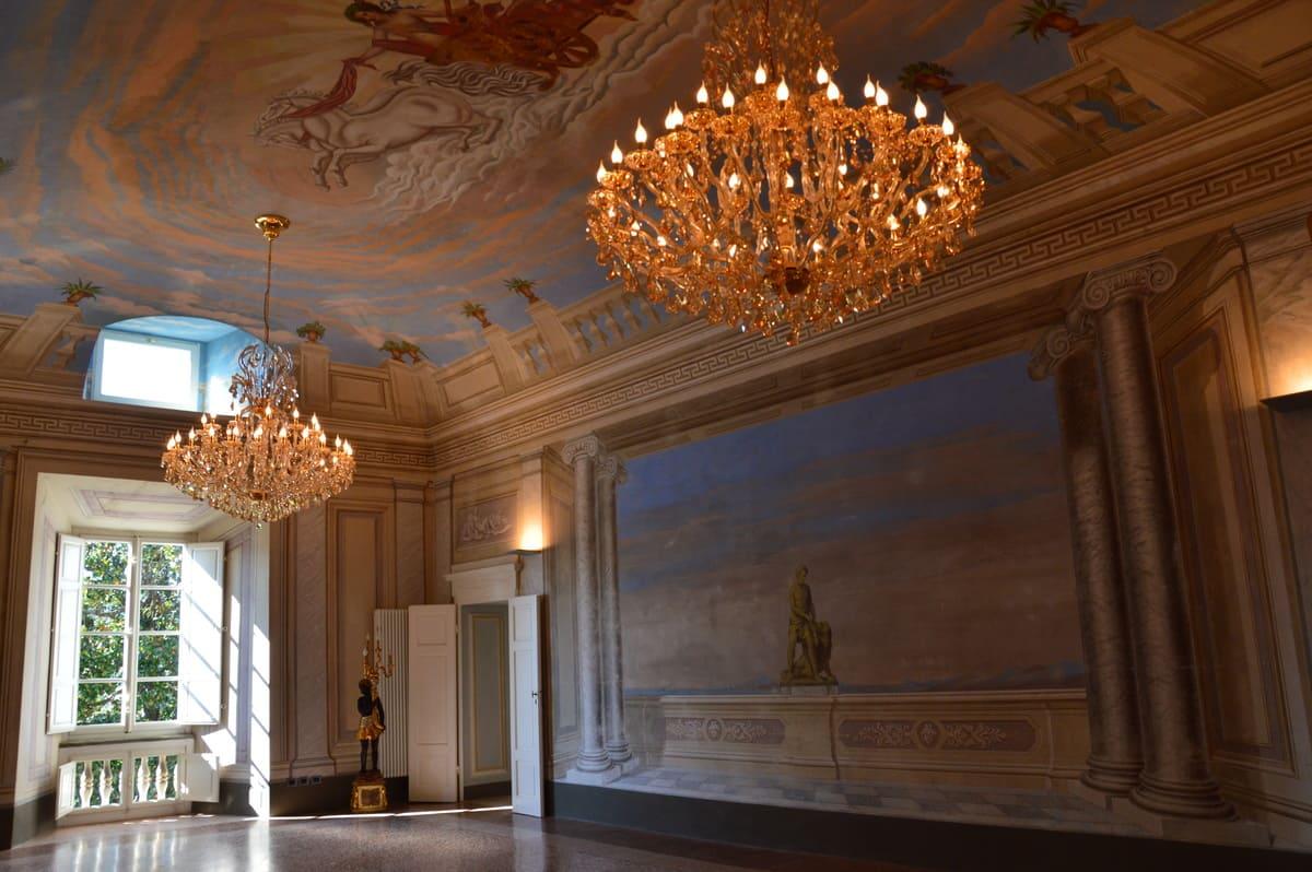 Filettole Luxury Castle Saloon with frescoes